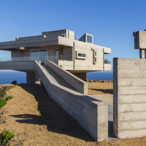 Fortress Like House is a Holiday Retreat by Gubbins Arquitectos