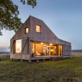 15 Low Energy Wooden House