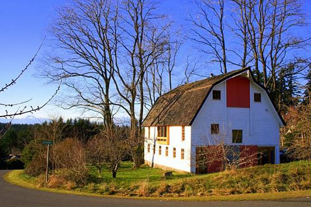 alpine barn style house italy 2
