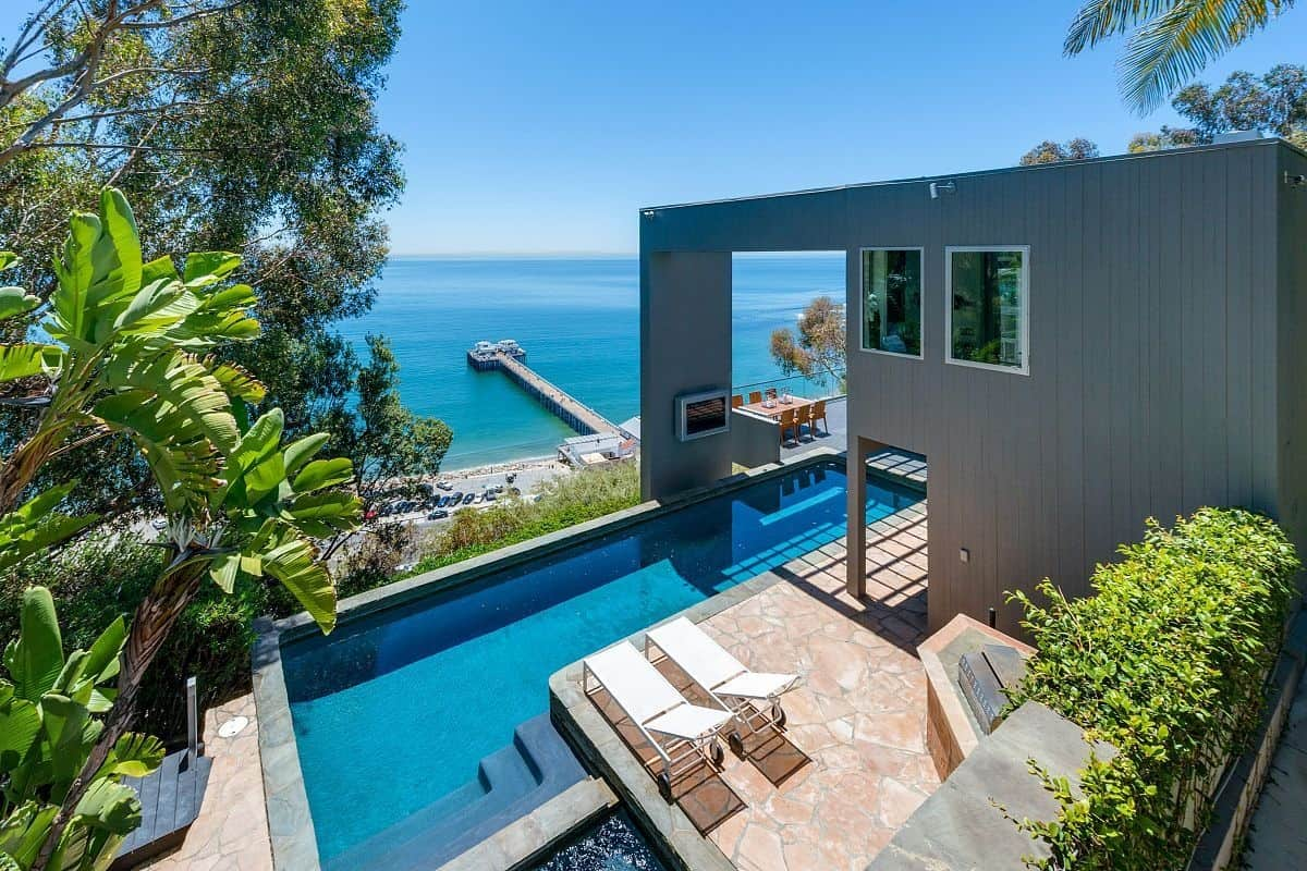 Modern malibu beach house rooms with a view for Beach house view