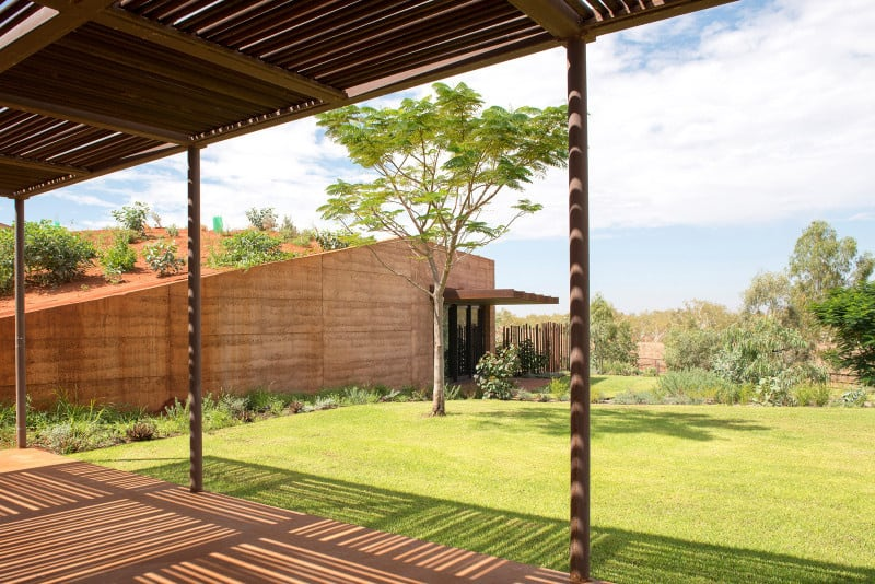 Semi Buried Houses In Australia Rammed Earth Wall By