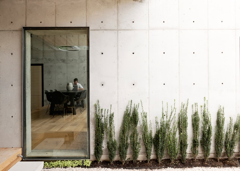 Concrete Box House Influenced By Japanese Design,Low Maintenance Garden Design For Small Gardens