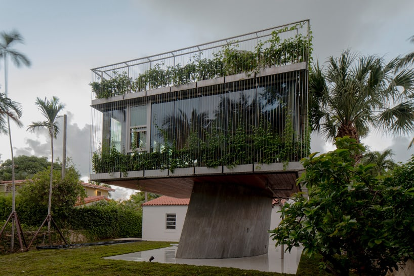 1930s Bungalow Gets A Concrete Tree House Like Addition