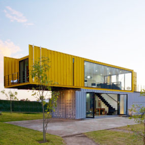 4 Shipping Containers Prefab  1 for Guests