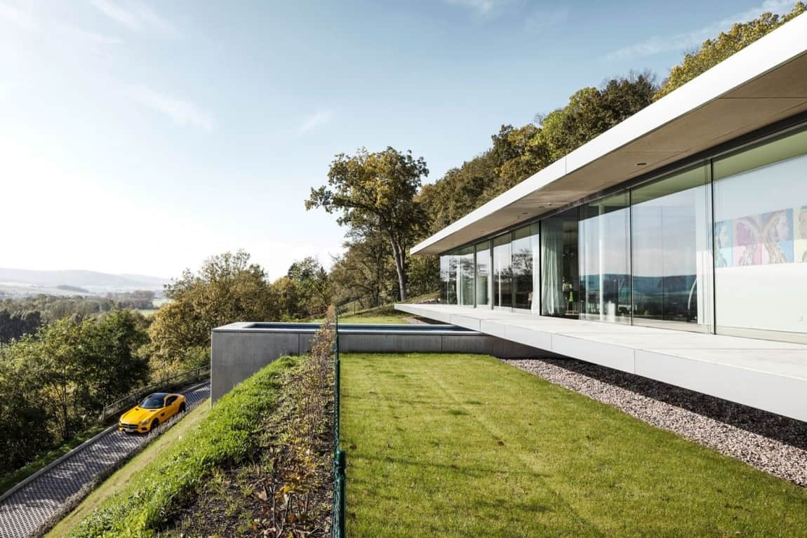 Energy neutral house with minimalist design for Minimalist old house