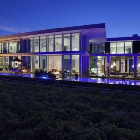 Fully Automated Oceanfront Florida House with Amazing Lighting is for Sale