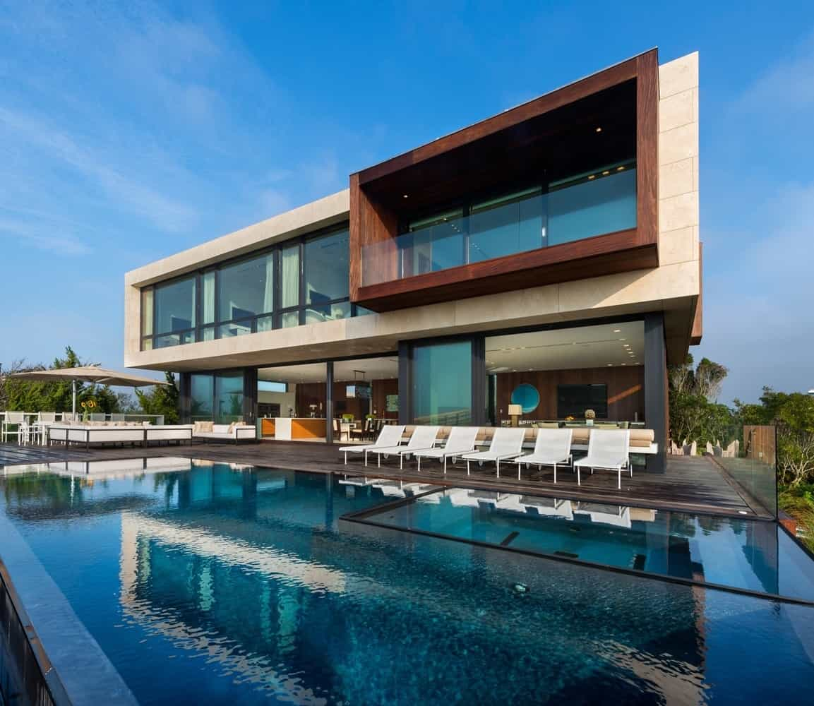 Creative Oceanfront Home Designed to Accommodate Flood Plane ...