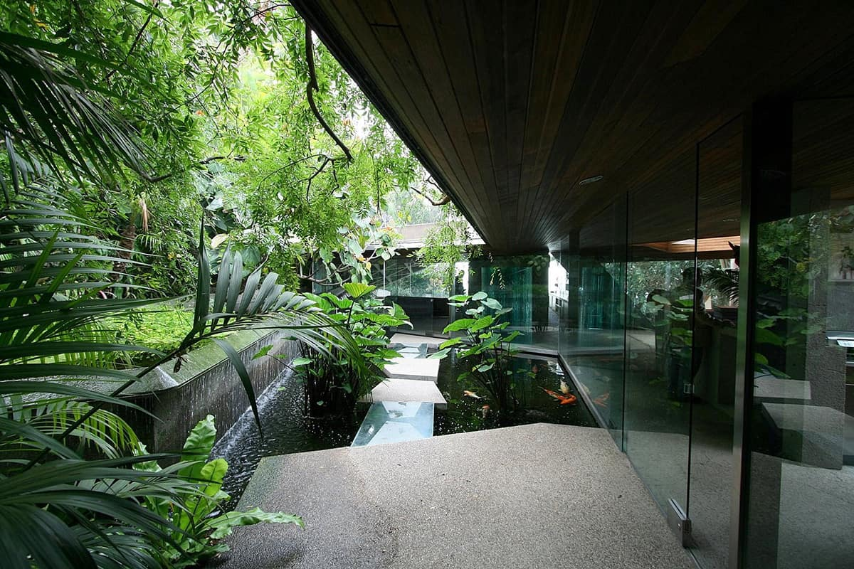 Most intriguing house in la lautner sheats goldstein for House pond design