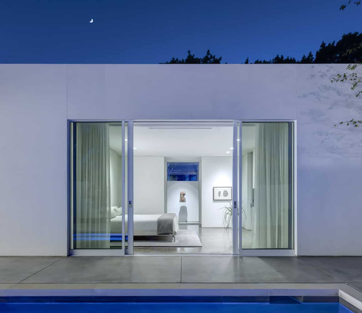 Small courtyard swimming pool home - Casas espectaculares ...