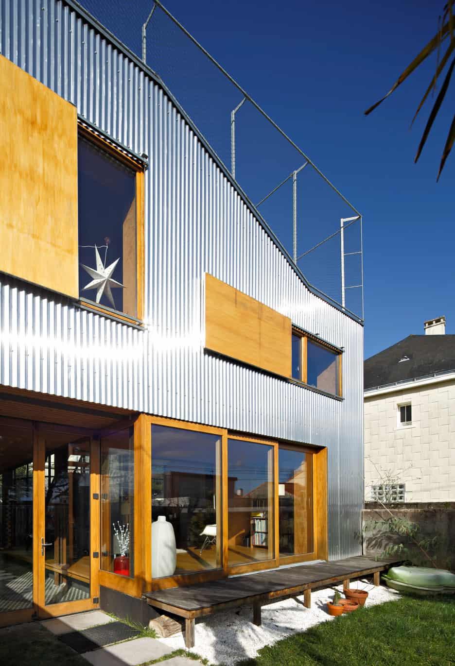 19 corrugated aluminium facade 1930s home extension