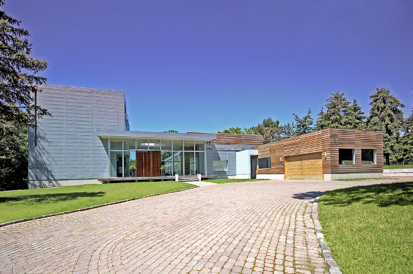 Luxury contemporary home in toronto canada for sale for Modern design houses for sale