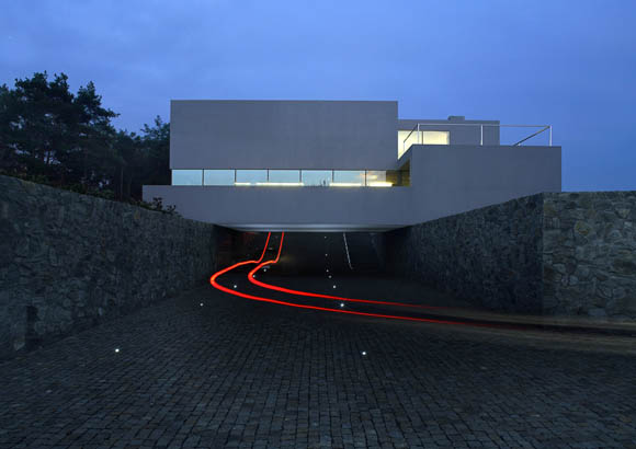 aatrial house 3 Contemporary Cave House by Award Winning Polish Architect Robert Konieczny