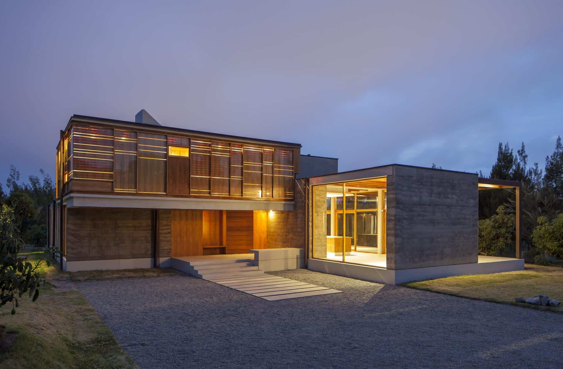 Abstract Glass Courtyard Type House