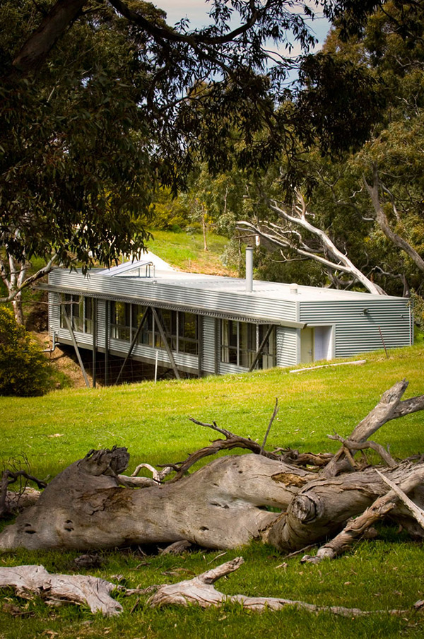 adelaide bridge house 4 Australian Architect Bridges the Gap between Innovation and Architecture – Bridge House