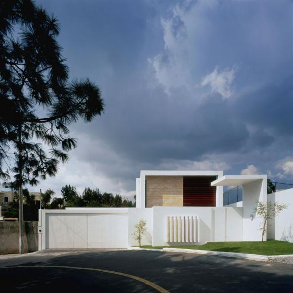agraz minimalist house 3 Mexican Contemporary Architecture Boasts Minimalist Apeal