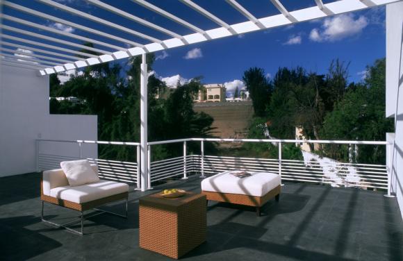 agraz-minimalist-house-7.jpg
