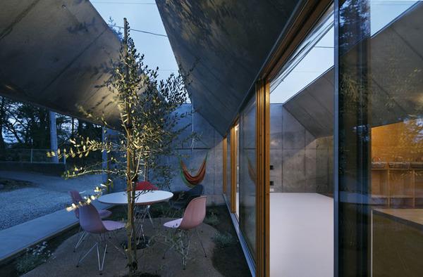 inside-outside-architecture-japan-10.jpg