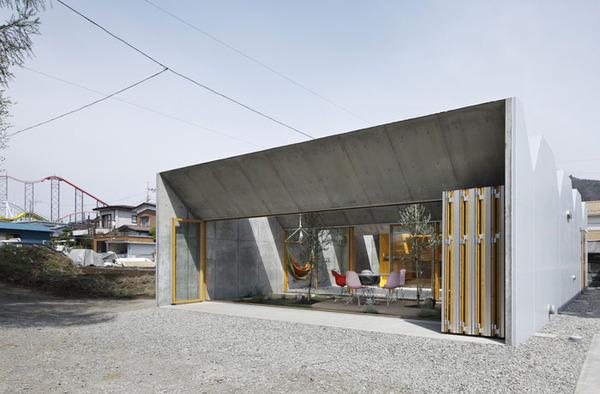 inside-outside-architecture-japan-5.jpg