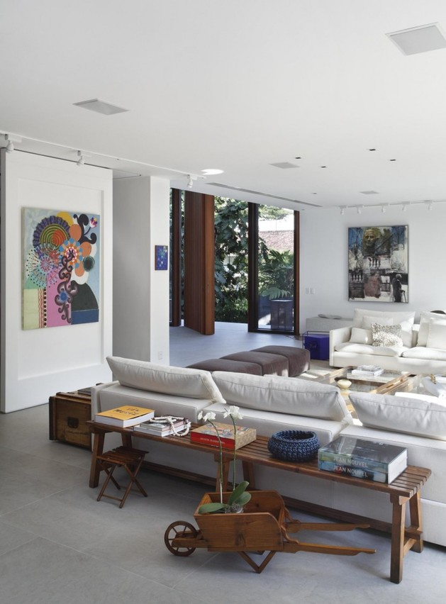 contemporary-colonial-home-in-rio-13.jpg