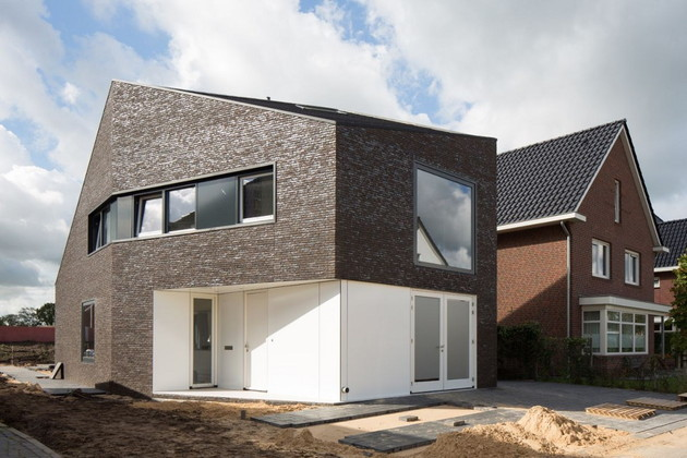 modern family home netherlands tradition with a twist 1 thumb 630x420 8972 Modern Family Home in The Netherlands: Tradition with a Twist