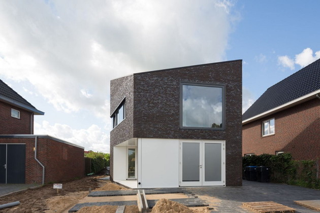 modern family home netherlands tradition with a twist 2 thumb 630x420 8974 Modern Family Home in The Netherlands: Tradition with a Twist