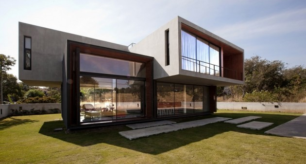 modern thailand house reflecting active adventurous lifestyle 1 thumb 630x337 9042 Modern Thailand house reflecting an active, adventurous lifestyle