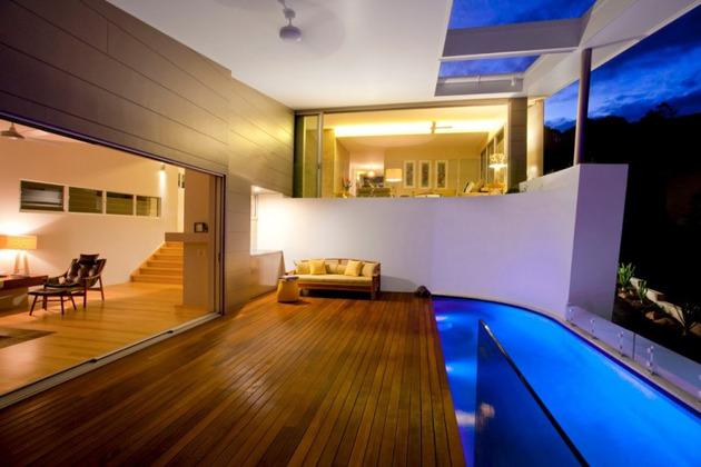 beach-house-with-bold-exterior-minimalist-interiors-10.jpeg