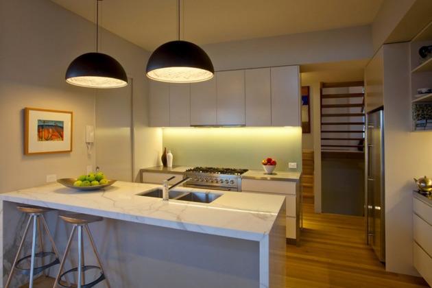 beach-house-with-bold-exterior-minimalist-interiors-16.jpeg