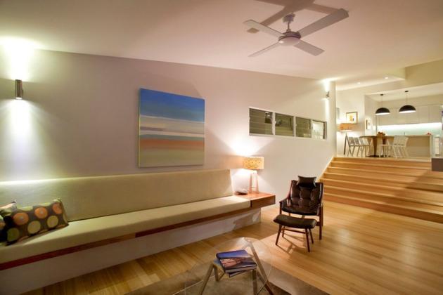 beach-house-with-bold-exterior-minimalist-interiors-18.jpeg