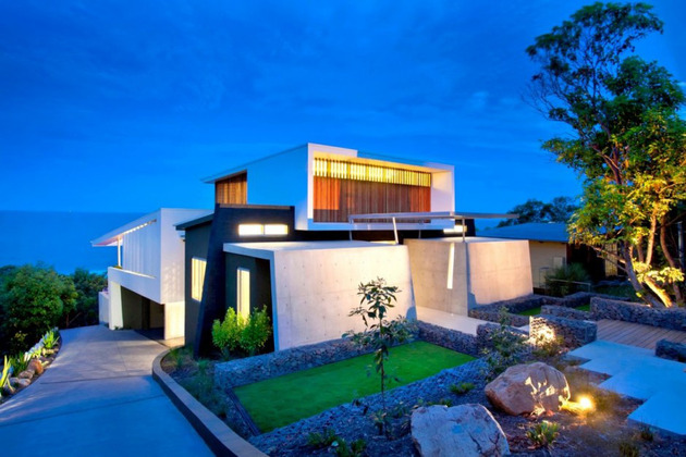 beach-house-with-bold-exterior-minimalist-interiors-7.jpeg