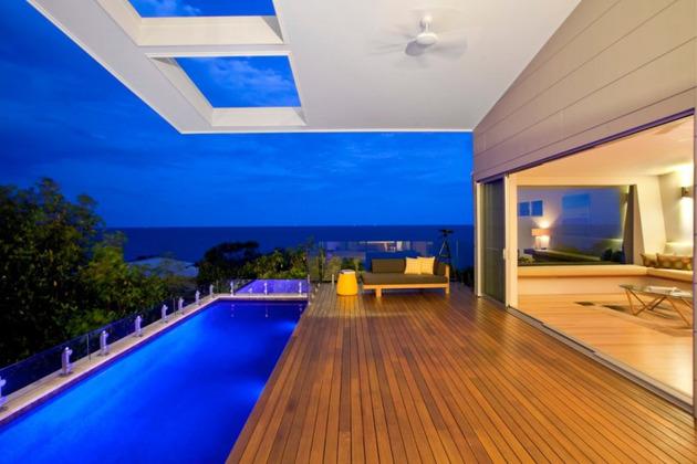 beach-house-with-bold-exterior-minimalist-interiors-9.jpeg