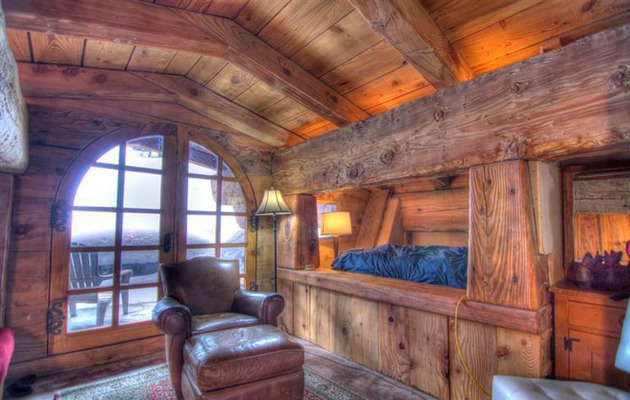 charming-euro-home-extreme-chalet-chic-11.jpg