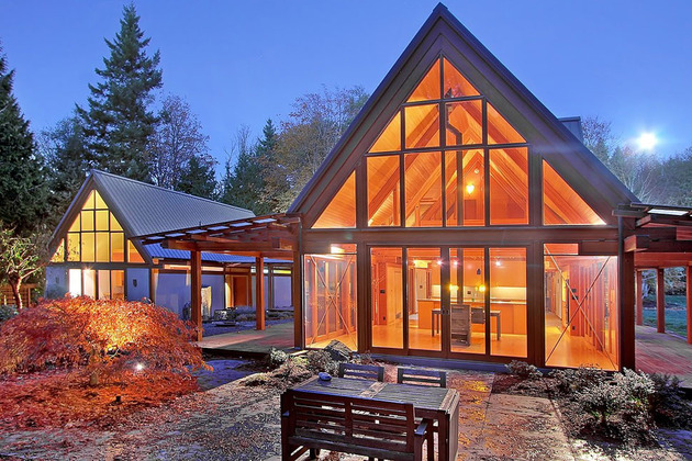 contemporary cabin chic mountain home of glass and wood 1 thumb 630x420 9996 Cabin Chic Mountain Home of Glass and Wood