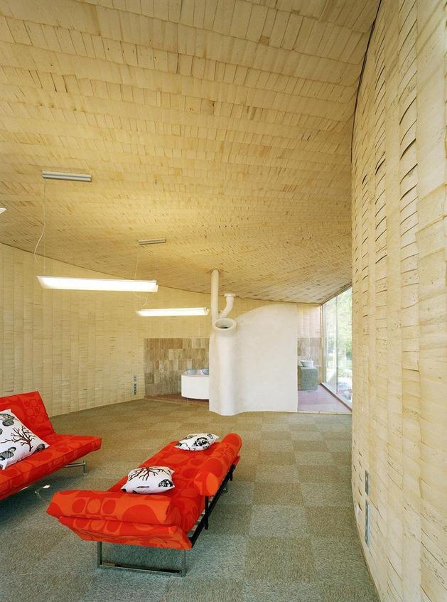 strange-spiral-seashell-house-in-finland-11.jpg