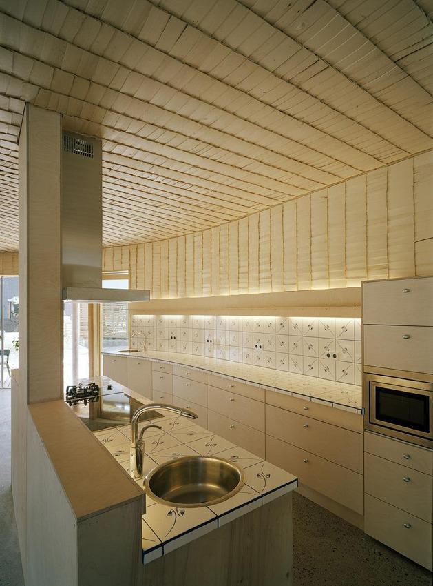 strange-spiral-seashell-house-in-finland-14.jpg