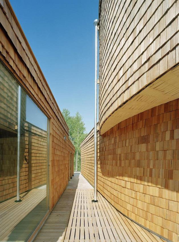 strange-spiral-seashell-house-in-finland-3.jpg