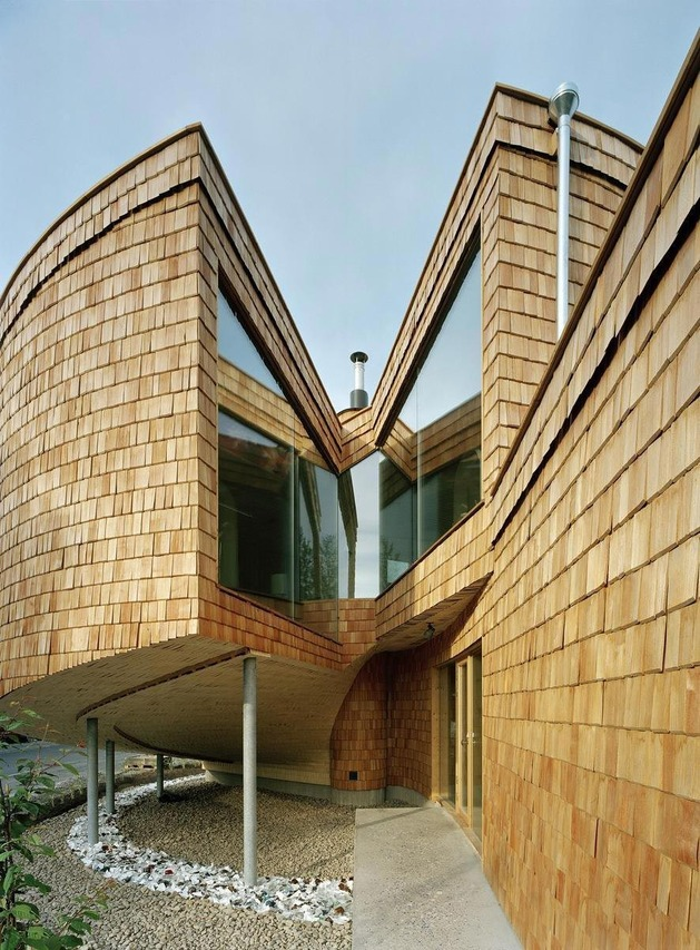 strange-spiral-seashell-house-in-finland-5.jpg