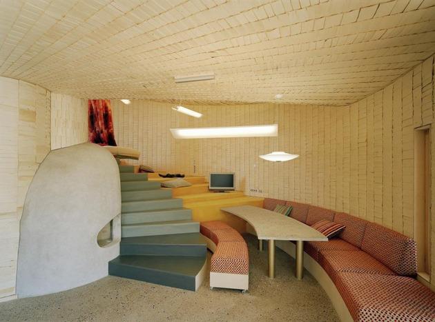 strange-spiral-seashell-house-in-finland-6.jpg