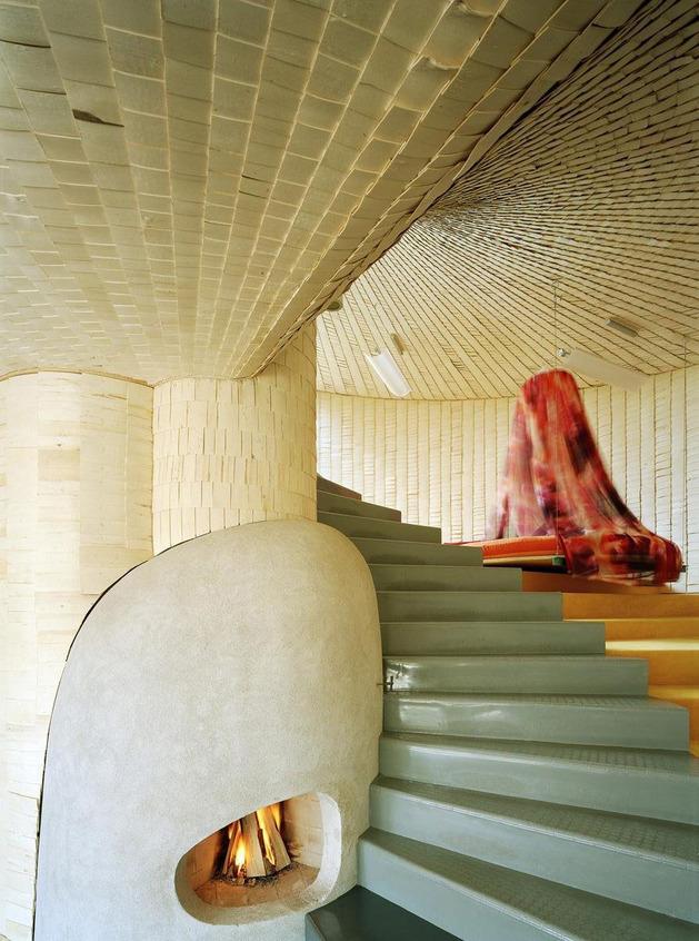 strange-spiral-seashell-house-in-finland-7.jpg