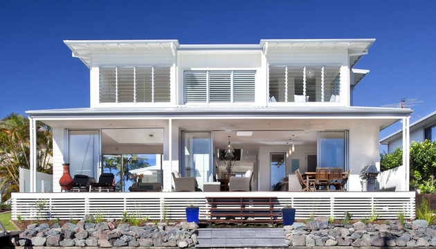 airy-beachfront-home-with-contemporary-casual-style-19.jpg