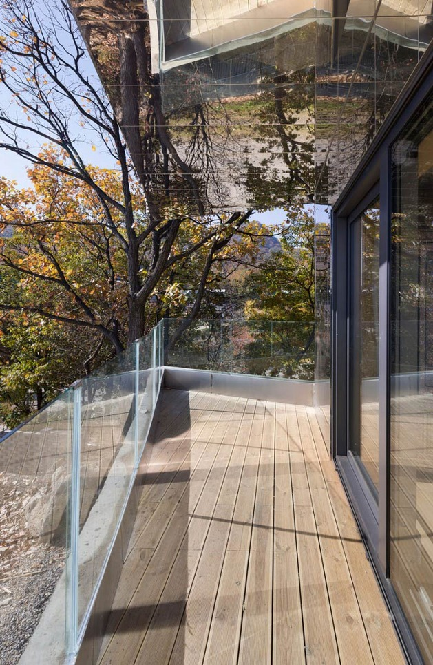 curving-house-in-south-korea-adapts-to-the-land-9.jpg