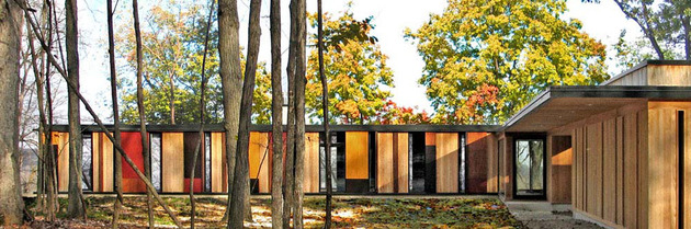 glass lake house inspired by and built of trees 1 thumb 630x209 11460 Colorful Lake House built into slope
