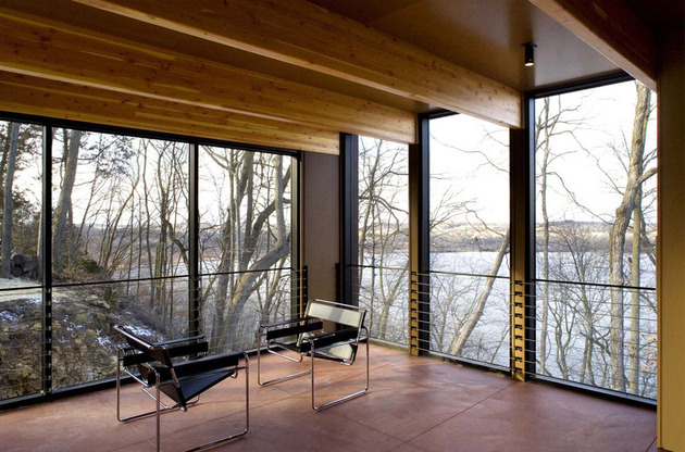 glass-lake-house-inspired-by-and-built-of-trees-10.jpg