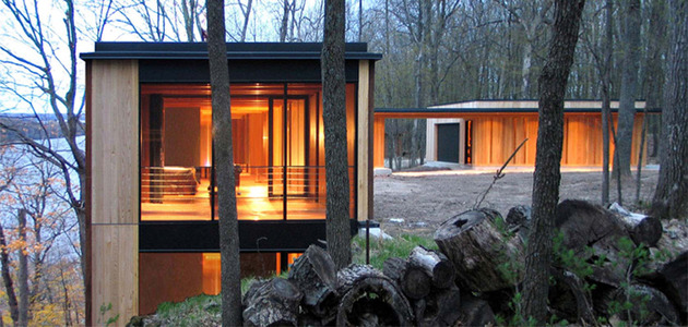 glass lake house inspired by and built of trees 2 thumb 630x300 11462 Colorful Lake House built into slope
