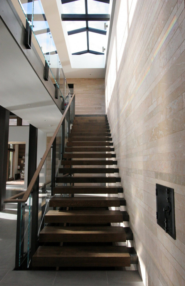 h-house-inspired-by-water-inside-and-out-19.jpg