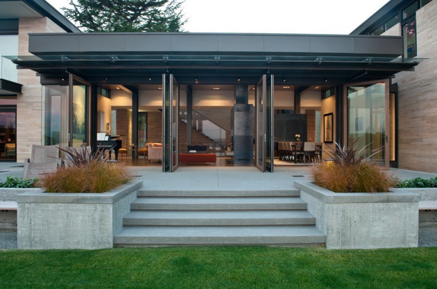 h-house-inspired-by-water-inside-and-out-6.jpg