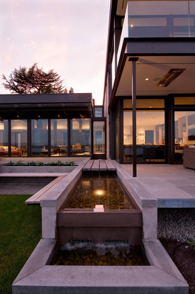 h-house-inspired-by-water-inside-and-out-7.jpg