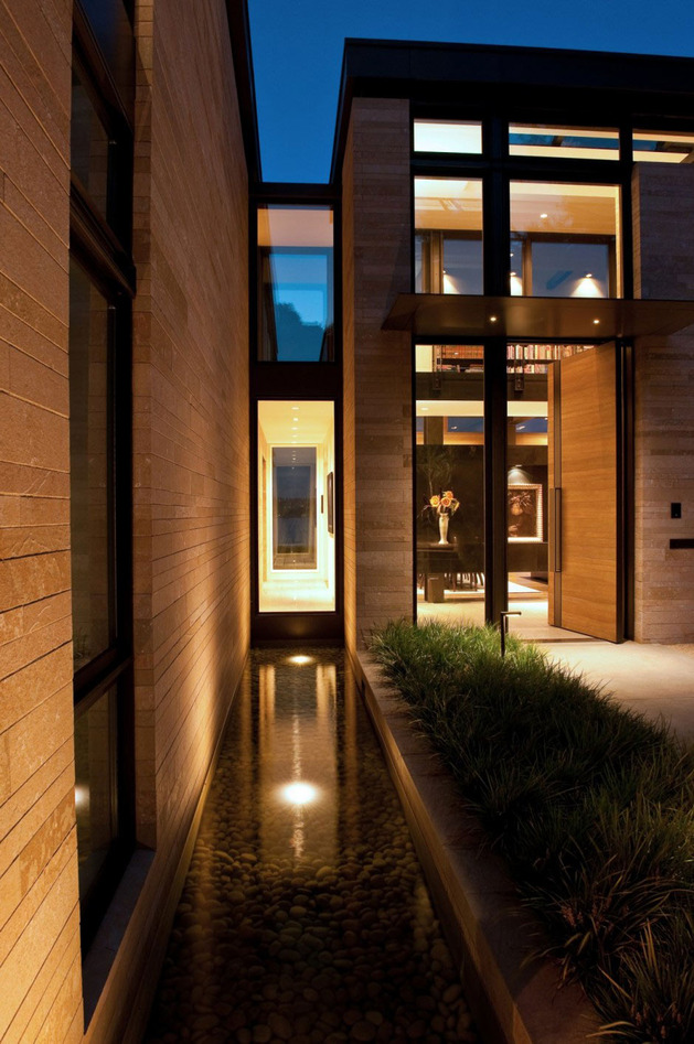 h-house-inspired-by-water-inside-and-out-8.jpg