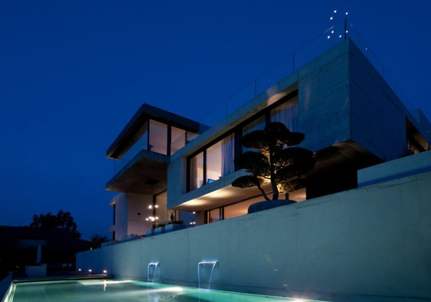lots-of-style-space-in-one-cool-concrete-house-4.jpg