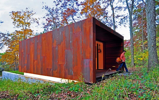 rustic country music studio of glass and rusted steel 2 thumb 630x399 11372 Rusted Steel Studio Design